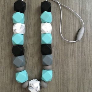 Jewelry - Mommy teething necklace